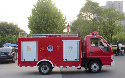 广东东莞沙田镇批量小型消防车顺利发车