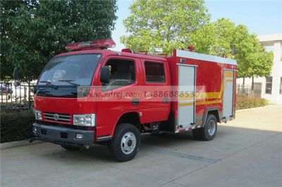 东风3吨水罐消防车